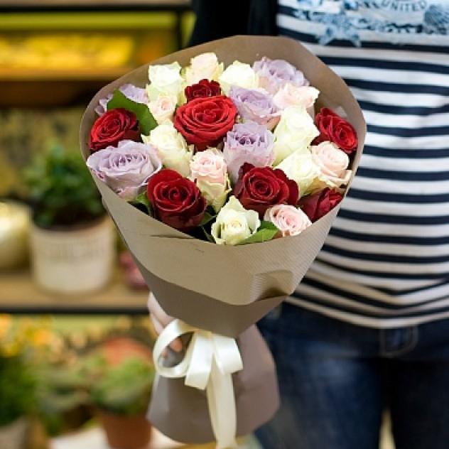 Букеты на праздник из роз уфа, цветов через интернет