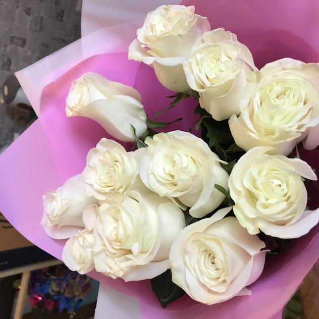 11 белых роз Мондиаль