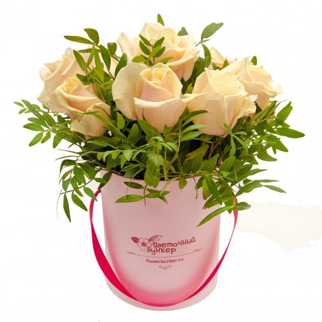 """Розы в шляпной коробке """"Малышка в розовом"""""""