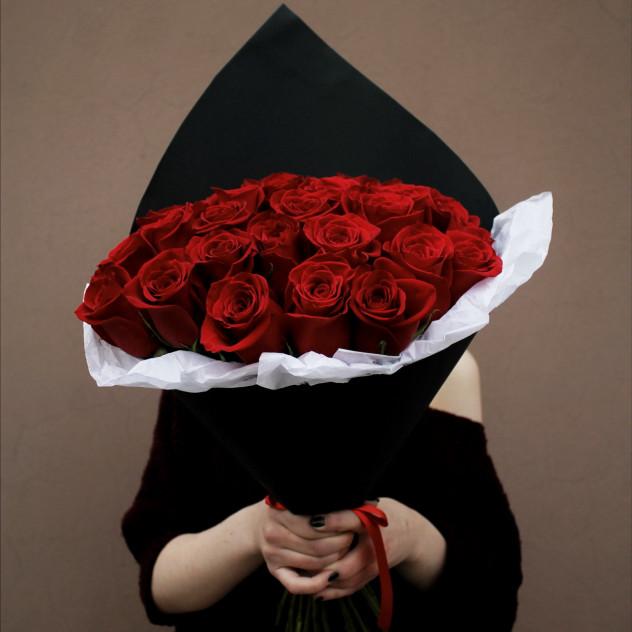 """Букет из красных роз """"Рубиновая страсть"""""""