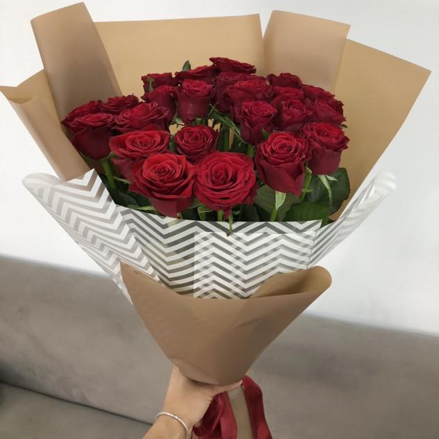"""Букет из 25 красных роз """"Only you"""""""