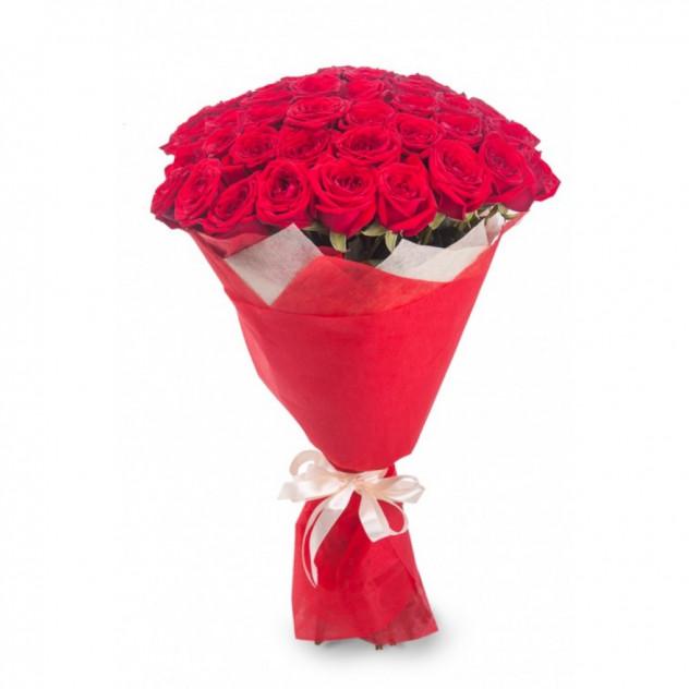 """Букет из 55 розы """"Ягодке моей"""""""