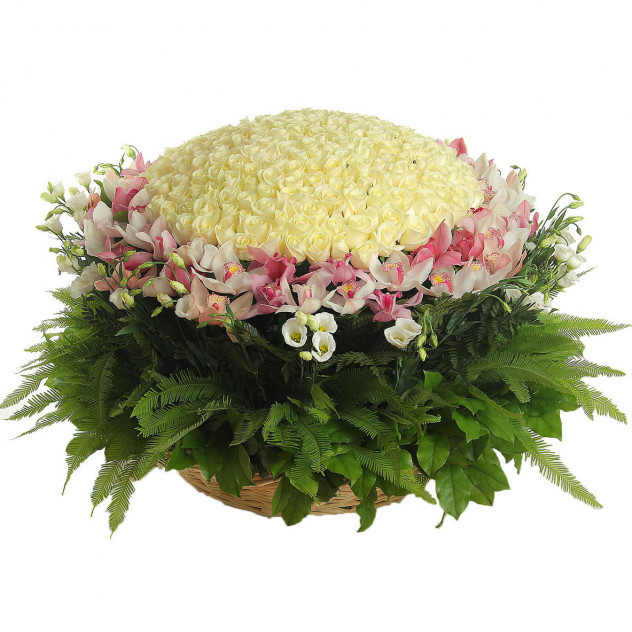 """Корзина с цветами """"Драгоценная диадема"""""""