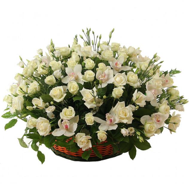 """Корзина с цветами """"Поэма о любви"""""""