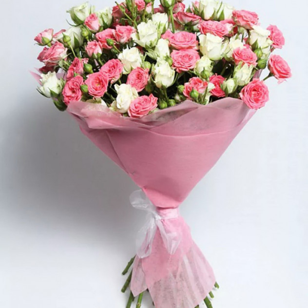 """Букет из кустовых роз """"Анжелика"""""""
