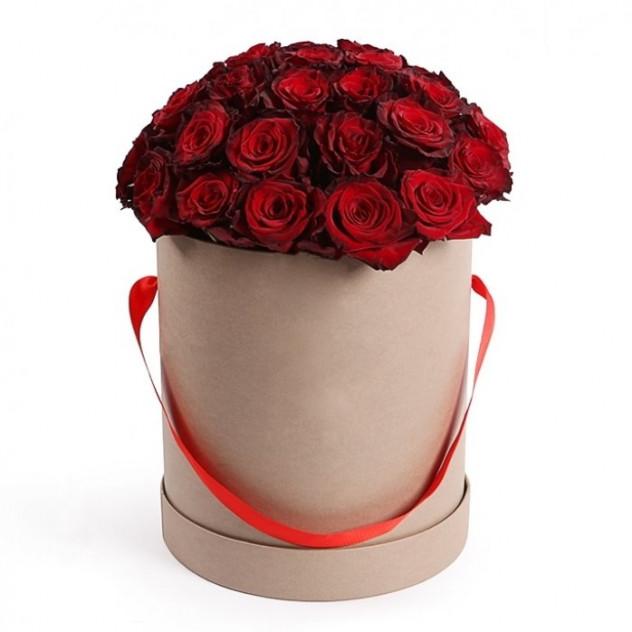 """Красные розы в шляпной коробке """"Госпожа удача"""""""