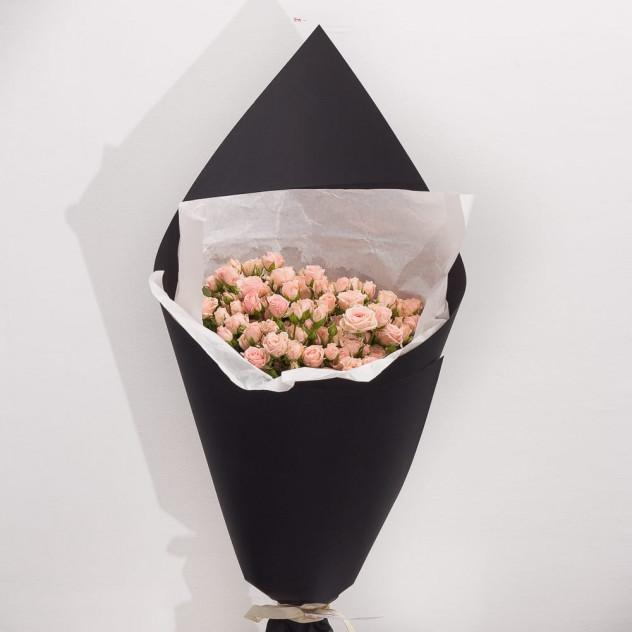 """Букет из кустовых роз """"Миндальное молочко"""""""