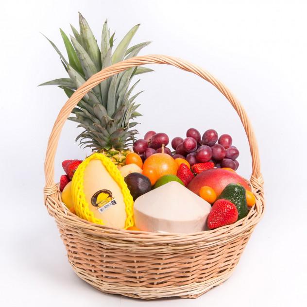 """Корзина с экзотическими фруктами """"Гавайи"""""""